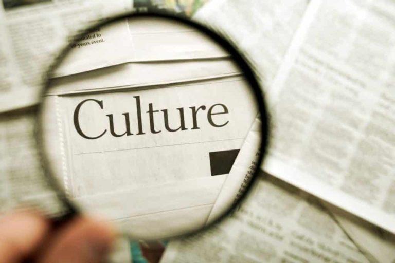 Read more about the article Dalila, devenue médiatrice culturelle à 50 ans